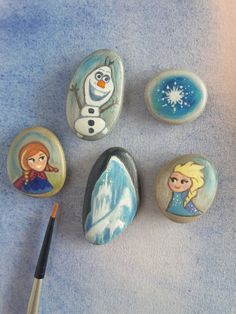 Frozen fever 10 sea stones hand painted by ClaudiaNanniFineArt # # - Gramood - . Frozen fever 10 s Pebble Painting, Pebble Art, Stone Painting, Painting Art, Paintings, Frozen Painting, Princess Painting, Rock Crafts, Arts And Crafts