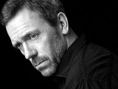 Mr. Laurie  najdziwniejsze jest to, że nie jest przystojnym, ładnym typem...ale ma magnes pod skorą, w źrenicach....