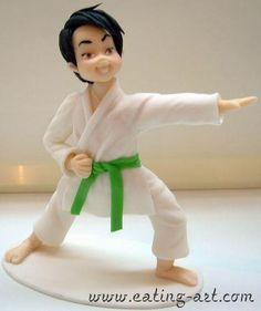 karate buen traje, buena posicion porcelana fria polymer clay