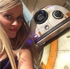 Reese witherspoon took a selfie with bb 8 all the most important