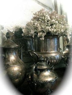 HOB NOBBERS: DECORATING WITH TARNISHED SILVER