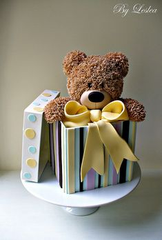Adorable Teddy Bear in a Box cake - LOVE..This is something I need to make for Hailey!!!