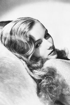 Veronica Lake in a promotional photo for This Gun for Hire, 1942. Photo by George Hurrell