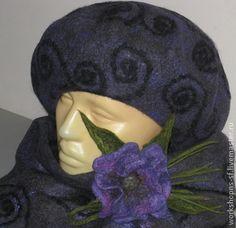 Комплект `Сиреневый туман `. Комплект из большого шарфа, берета и митенок изготовлен из мериносовой шерсти с декором из шелковых волокон. Цвет комплекта серо-фиолетовый, фото немного искажает цвет. Длина шарфа позволяет оборачивать его вокруг…