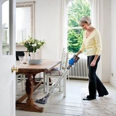 Compare Cordless Upright Vacuum Cleaners: Hoover Linx, Dyson V8, or Electrolux Ergorapido?