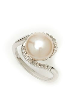 Non-Traditional Pearl Engagement Rings | ... pearl ring [this would be a beautiful nontraditional engagement ring