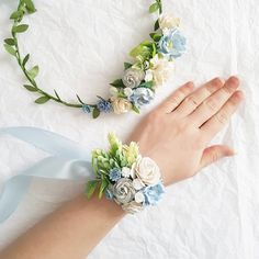 Wonderful Photographs Bridal Flowers corsage Popular Take efforts and figure out what you prefer, and learn the goals referred to as, before starting spe Blue Corsage, Bridesmaid Corsage, Corsage And Boutonniere, Flower Corsage, Corsage Wedding, Wrist Corsage, Bridesmaid Flowers, Prom Corsage, Prom Flowers