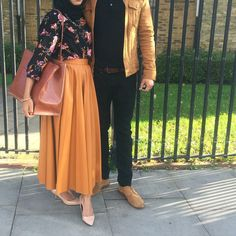 34 Lovely Outfits Ideas For College Muslim Fashion, Modest Fashion, Hijab Fashion, Fashion Dresses, Hijab Dress, Hijab Outfit, Modest Dresses, Modest Outfits, Muslim Couples