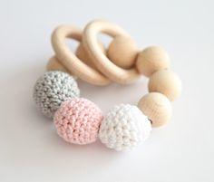 Beißring. Greifling. Greifring. Spielzeug für Baby von NiHaMa - Nice Hand Made auf DaWanda.com