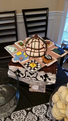 Sherlock/Clue theme cake
