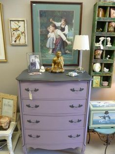 Chalk Paint® decorative paint in  Emile and Graphite