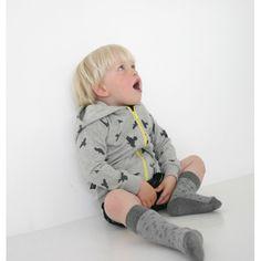 MOI lichtgrijs vest met all over raven print -  purestarters.nl  - worldwide shipping