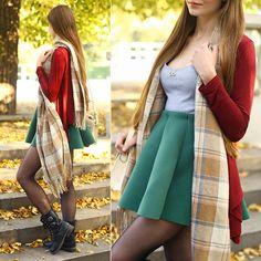 ARIADNA Majewska - 勃艮第开衫,裙子绿色,灰色连衣裙,格纹Begige围巾 - 多彩秋| 看看书