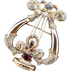Rare Corocraft Sterling Crystal Rhinestone Carnegie Hall Lyre Brooch by Katzfrom Vintage Jewelry Girl! #vintagejewelry #vintagebrooch #coro