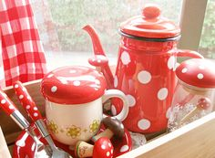 red and white polka dts...favorite!