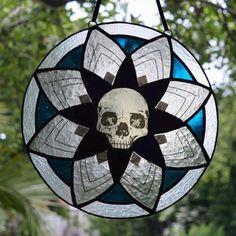 #skull stainglass