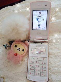 korean LG icecream flip phone with rilakkuma phone charm