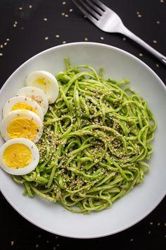 Chili Spinach Pesto Noodle Bowl | soba, spinach-basil pesto with chili paste