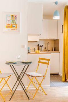 decoração de quitinete com amarelo, azul, estilo escandinavo. Blog Achados de Decoração