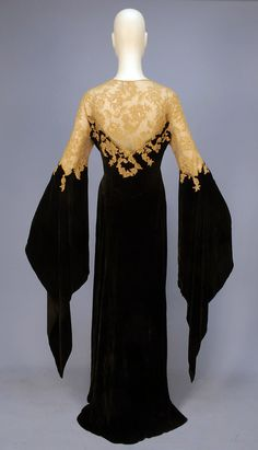 This is a 1930s deshabille silk panne velvet and Alecon lace