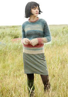 FARBVERLAUF   Der traumhafte schöne und sehr lange Farbverlauf des Pullovers steckt im feinen Mohairgarn KIDSEDA – jeder Pullover sieht anders aus. Damit an den Seiten keine unterschiedlichen Farben aneinandertreffen, wird bis zu den...