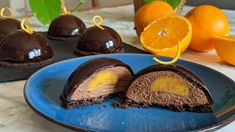 Chocolate and Orange Mousse Domes | Cooking Fantasies Easy Chocolate Mousse, Banana Chocolate Chip Muffins, Chocolate Orange, Chocolate Flavors, Chocolate Cookies, Chocolate Mirror Glaze, Orange Mousse, Orange Dessert, Ocean Cakes