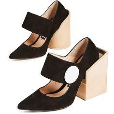 Jacquemus Large Button Pumps (€570) ❤ liked on Polyvore featuring shoes, pumps, black, button shoes, jacquemus, leather pumps, square-toe pumps and black shoes
