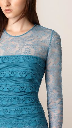 burberry-ltcornflower-blue-tiered-french-lace-shift-dress-blue-product-3-835736297-normal.jpeg (1040×1849)