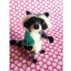 Needle Felted Racoon by FacciDesigns on Etsy
