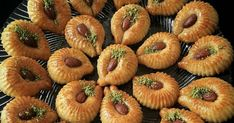 Iranian Desserts, Brownie Cookies, Mini Cupcakes, Kiwi, Cake Recipes, Easy Meals, Food And Drink, Strawberry, Homemade