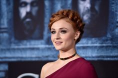 Game of Thrones stars shine at the season 6 red carpet premiere
