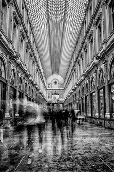 Timing is arches Monochrome Photography, Black And White Photography, Street Photography, Digital Photography, Great Photos, Cool Pictures, Architecture Old, Amazing Architecture, Berenice Abbott