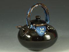 One of a kind teapot   Hot Studio - Hodaka Pottery