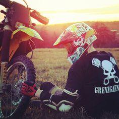 Motocross Love, Motocross Girls, Moto Enduro, Enduro Motorcycle, Travis Pastrana, Freestyle Motocross, Biker Boys, Skate Girl, Motorcycle Photography