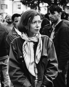 Known Entities: Joan Didion This is hardly a revelation, but most writers aren't known for their style. Joan Didion, though—she looks exactly like you want her to, and that makes her descriptions of. Writers And Poets, Writers Write, Hailey Baldwin, Streetwear, Look 2017, Grunge, Charles Manson, How To Wear Scarves, Look At You