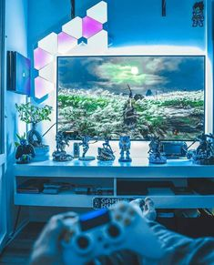 Control over 16 million colors with Nanoleaf Light Panels Pc Gamer, Set Up Gamer, Gamer Setup, Pc Setup, Desk Setup, Room Setup, Nanoleaf Lights, Xbox One, Consoles