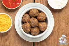 Deze Mexicaans gehaktballetjes met tomatensalsa zijn perfect om te serven als hapje bij de borrel of een feestje. Lekker sappig en pittig. #koolhydraatarm #hapje #keto Mexican Meatballs, Stuffed Jalapeno Peppers, Almond Flour, Keto, Ground Beef, Low Carb, Garlic Clove, Cooking Recipes, Vegetarian