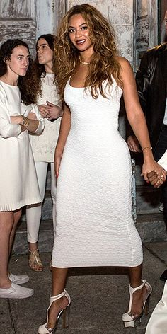 THAT TIME SHE WORE WHITE TO HER SISTER'S WEDDING