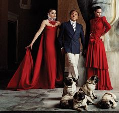 Valentino - I love Mr. Valentino for his talent in his amazing designs and his humor and warmth in his love of pugs. Valentino Garavani, Valentino Red, Valentino Couture, Grunge Look, Sophia Loren, Pug Puppies For Sale, Pug Names, Kleidung Design, Pugs And Kisses