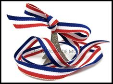 RUBANS DIVERS - UNE HISTOIRE DE MODE Lace Up, Diy, Printed Ribbon, Black Ribbon, Red White Blue, Color Blue, Gold Ribbons, Red Gingham