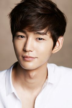 "Lee Won Geun Confirmed to Play Jeon Do Yeon's Rival Character in ""The Good Wife"""