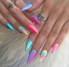 Pastel rainbow nail-art IG