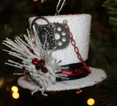 SOLD!! Steampunk top hat Christmas ornament | Steampunk Christmas