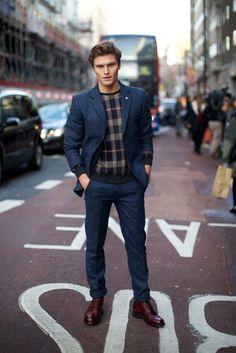 http://chicerman.com  rickysrunway:  Fall 2015 Street Style  #summerlook