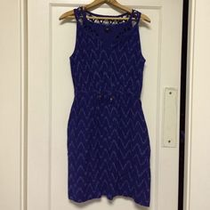 Gap Summer Dress Dark purple with a zig zag design and cut out neck line. Lined with a side zip and pockets. GAP Dresses