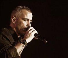 Eros Ramazzotti aterriza en Barcelona su disco 'Noi'