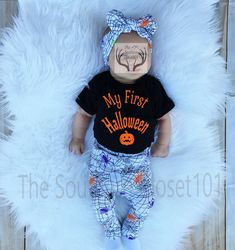 Unisex Coming Home Outfit,My First Halloween ,Baby Spiders Halloween Outfit,Fall Outfits,Orange,Black,White,Purple and Gray,Spiders,Girl,Boy