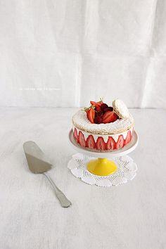 ... biscuit succès aux amandes, crème légère à la vanille et fraises gariguettes ...
