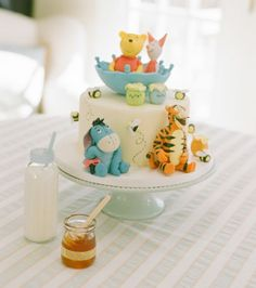 Beautiful Cake Pictures: Cutest Winnie The Pooh & Friends Cake - Birthday Cake, Cake Toppers, Colorful Cakes, Themed Cakes - Baby Cakes, Baby Shower Cakes, Baby Shower Themes, Cupcake Cakes, Shower Ideas, Shower Baby, Winnie The Pooh Cake, Winnie The Pooh Birthday, Baby Showers