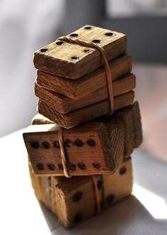 Jeu de domino en bois- photo by Susanne Kings Ideias Diy, Old Toys, Vintage Love, Vintage Tools, Pyrography, Cool Ideas, Wooden Toys, Wooden Dice, Wood Crafts